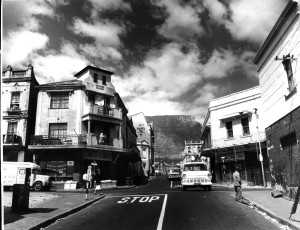 Distrik ses in die ou dae. Foto: Bart Steyn (District Six Museum collection)