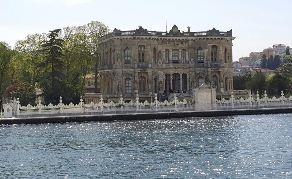 Istanboel spog met die prag en praal van die Ottomaanse Ryk
