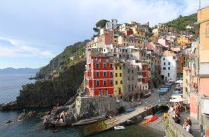 Cinque terre aan die Italiaanse kus