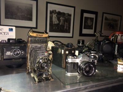 Die sjarme van swart-en-wit foto's en 'n hout-kamera