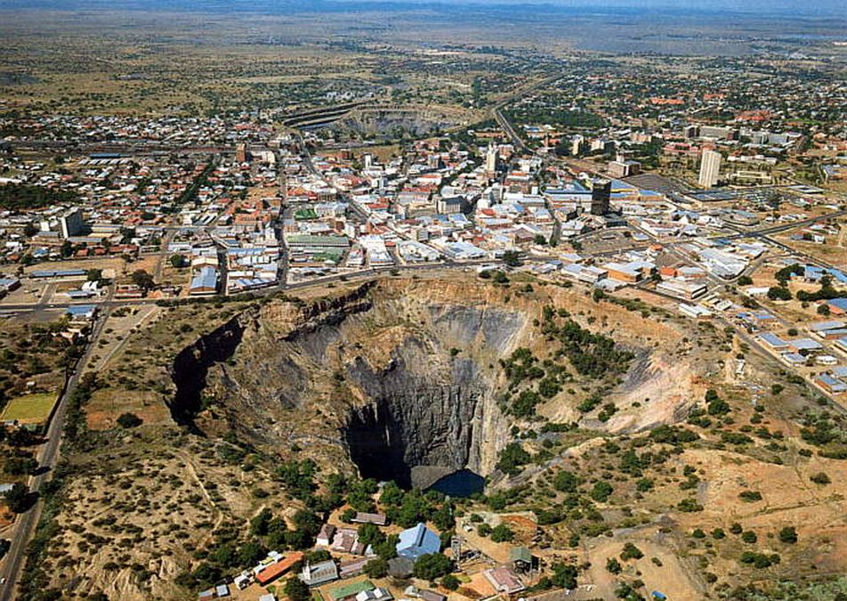 the-big-hole-kimberley-south-africa-2