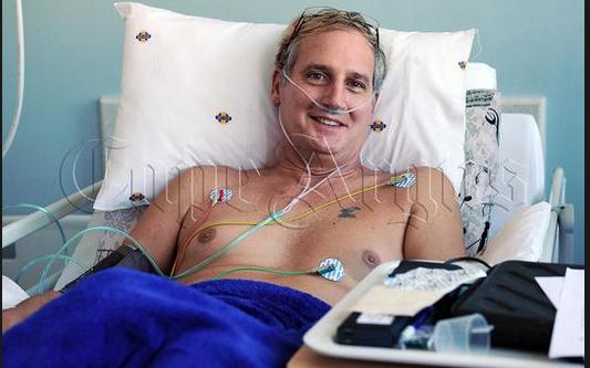 Langafstand-swemmer en 3 ander gered met oorplantings