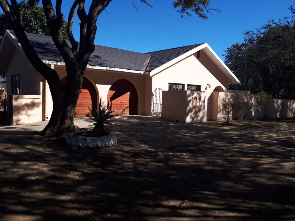 Haidee besoek Mandela-huis by die Drakenstein gevangenis