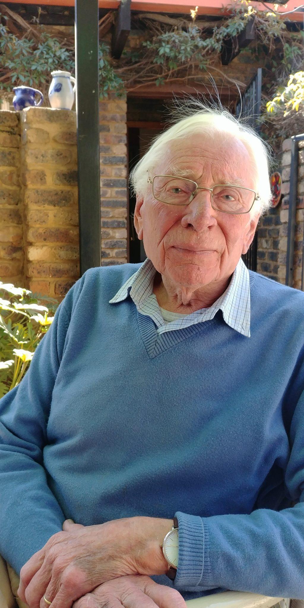 Luister weer: 'Mymeringe van 'n ou man' deur Dolf van Niekerk